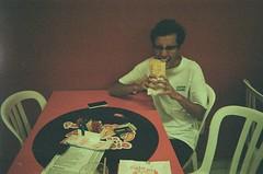 Pastel (Henrique F. da Silva) Tags: disposable disposablecamera film 35mm kodak funsaver filmisnotdead food eat pastel santacatarina