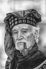 El señor de la pipa (kinojam) Tags: portrait hombre man pipa pipe smoking medieval bn bw kino kinojam canon canon6d