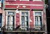 Red - Porto (Bela Lindtner) Tags: lindtnerbéla belalindtner nikon d7100 nikond7000 nikkor nikkor18105 nikon18105 18105 portugal portugália porto street windows window red