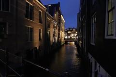 Nightfall (jehazet) Tags: amsterdam avondopname beulingsloot canal nightscape cityscape stadsgezicht jehazet