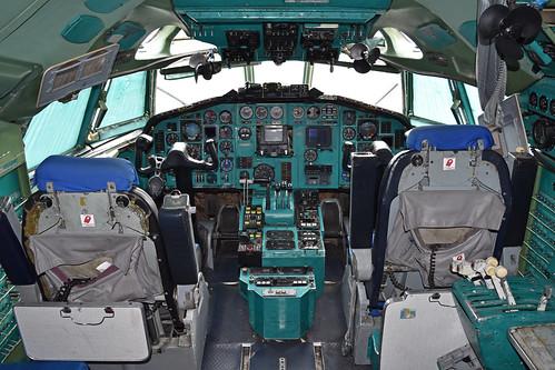 Cockpit of Tu-154M 'RA-85663'