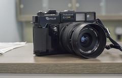 CCR Review 83 - Fuji GSW690II (Alex Luyckx) Tags: ccr classiccamerarevival camera gear review camerareview sony sonya6000 aisnikkor50mm114 fotodiox fuji fujigsw690ii texasleica gsw690ii