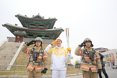 PyeongChang 2018 Olympic Torch Relay Day22 (PyeongChang2018_kr) Tags: 2018평창 2018평창동계올림픽대회 2018평창동계패럴림픽대회 평창동계올림픽 평창동계패럴림픽 평창조직위 성화봉송 22일차 성화주자 pyeongchang2018 pyeongchangolympics pyeongchangparalympics olympics paralympics pocog pyeongchang torchrelay day22 torchbearer