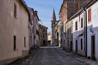 Glavna ulica u Draguću