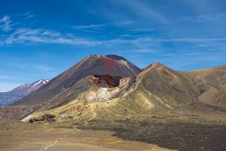 Mont Tongariro, mont Ngauruhoe et mont Ruapehu-du plus proche au plus lointain {explored}
