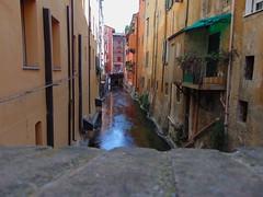 secret (Wero's pics) Tags: bologna italia italy emiliaromagna vicoli street
