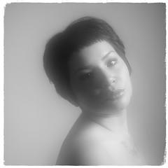 (Walter Daniel Fuhrmann) Tags: retrato portrait bw blancoynegro bn karen mujer girl cara face f14
