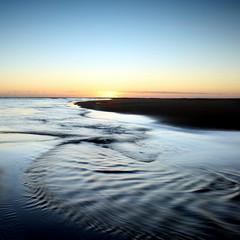 Fluid (PeskyMesky) Tags: aberdeenshire newburgh newburghbeach water longexposure scotland flickr 2018 blue canon canon6d leefilter ndgrad suneise sunset sky beach