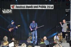 PKA_3049 (pekuas) Tags: stromundwasser heinzratz pekuas festivalmusikpolitik wabe berlin jugendtheatertage wessen welt künstler aktion folk songwriter