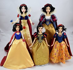 Limited Edition and Designer Snow White Dolls, 2009 - 2017 (drj1828) Tags: disney disneystore 80th anniversary snowwhiteandthesevendwarfs limitededition 17inch 12inch designer groupphoto