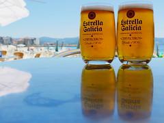 GusTO. (WaRMoezenierr.) Tags: gusto smaak bier cerveza beer playa beach galicie spain spanje sanxenxo holiday ferien gold goud oro terras estrella galicia