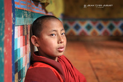 "Moinillon du ""Rinpung Dzong "" (Paro, Bhoutan) - ""Rinpung Dzong"" monk (Paro, Bhutan) ( Jean-Yves JUGUET ) Tags: monk moine novice boudhist buddism bhoutan bhutan bouddhisme bouddha buddha dzong paro monastère monastery"