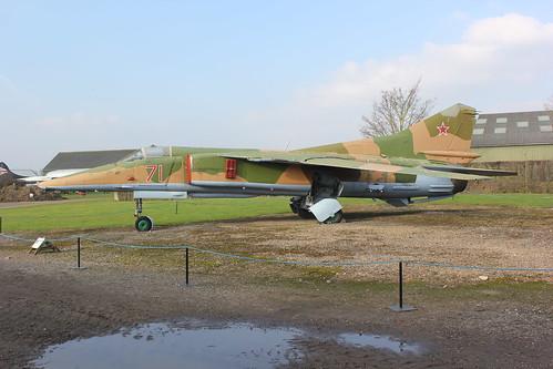 Russian Su-27 Flanker 71 Red