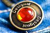 Desigual (Moordenaar) Tags: a6000 sony ilce6000 rojo desigual cristal 100mm macro 100mmfd fd100mm f4 reflejo canon vintage canonfd vaquero tela hilos metal dorado bokeh camara