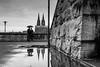 Nur die Liebe Zählt (brooks 30) Tags: spiegelung köln dom wasser liebe regen wetter wolken hdr sw regenschirm stadt city