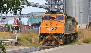 C509 8049 48s34 BRM001 and C506 dump 5444N SSR grain at the Carrington terminal