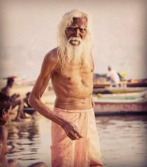 Baba II (Jhaví) Tags: varanasi india portrait retrato baba trip travel viajar