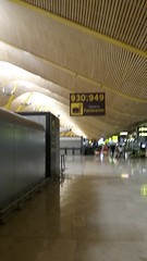 (sftrajan) Tags: madrid spain españa barajasairport aeropuerto aeropuertoadolfosuárezmadridbarajas terminal4 contemporaryarchitecture arquitectura 21stcentury аэропорт