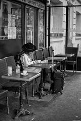 En attendant (Mathieu HENON) Tags: leica m240 noctilux 50mm noirblanc nb blackwhite monochrome france paris 15ième arrondissement terrasse restaurant café