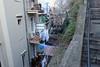 À côté des escaliers, il y a... (8pl) Tags: escalier escaliers mur rampe bâtiments fossé arbre balcons fenêtres chaiseenplastique linge lingesuspendu toitsentôle cabanons rijeka