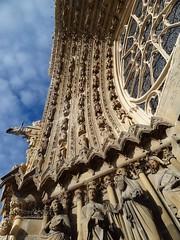 Cathédrale de Reims - Portail central (Ωméga *) Tags: reims france cathédrale gothique marne moyenage middleages unesco patrimoinemondial worldheritage ω façade portail sculptures façadeoccidentale