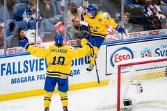 Jump. (R1ku Exposures) Tags: jääkiekko usa worldjuniors buffalo nuortenmmkisat urheilu wjc2018 ny icehockey wjc wjcinbuf worldjuniors2018 keybankcenter liiga nhl khl shl nla sweden teamsweden juniorkronorna