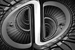 Su e giu (Zz manipulation) Tags: artambrosionizzmanipulation scale people gradini palazzi architettura