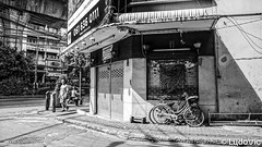 Bangkok street's (Lцdо\/іс) Tags: bangkok thailande thailand thailandia blackandwhite black bw street voyage lцdоіс asia caught asian south