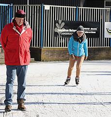 2018 Doornsche IJsclub (Steenvoorde Leen - 8.5 ml views) Tags: 2018 doorn utrechtseheuvelrug schaatsbaan doornscheijsclub ijsbaan natuurijsbaan people schoolkinderen schoolkids ice iceskating schaatsen skating tro ci tos de hielo schittshuhlaufen eislaufen skate patinar lobe pa skojter tas bag fcbbarcelona tekoop woman skatepark winter dutch thenetherlands schaatser schaatsers skaters holland skats fun ijspret icefun icy glide