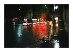 (Miguel E. Plaza) Tags: mju2 mjuii mju olympusmjuii fujisuperia400 analogphotography analog streetphotography stylusepic filmphotography filmcamera film 35mm taxi driver reflexes night red black blue