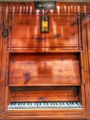 Play it again, Sam 🎹🎶 (carlesbaeza) Tags: musicalorgan piano music música old antiguo antiquity laseuvella lleida catalonia