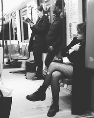 27990515_1785830644762837_547221734_o (Galeria Adriana Araujo) Tags: street streetscenes woman underground metro blackwhite suburban