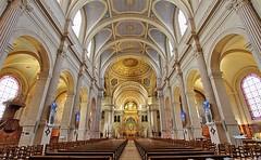 Eglise Saint-François-Xavier (hervétherry) Tags: france iledefrance paris 75007 canon eos 7d efs 1022 eglise saintfrançoisxavier nef choeur transept pilier voute arche