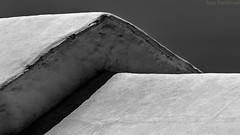 Geometrìa encajada. Tìas, Lanzarote, junio 2015. (Jazz Sandoval) Tags: 2015 elfumador españa exterior enlacalle arquitectura blancoynegro blanco bn bw beautiful building contraste canarias curiosidad curiosity calle casa casacanaria digital day dìa dos fotografíadecalle fotodecalle fotografíacallejera fotosdecalle geometría gráfico geometrías geometry geometrìa white islascanarias ilustración jazzsandoval luz lanzarote light lines lineas monocromática monócromo negro nero pareja streetphotography streetphoto sombras texturas textura tejados tìas vivienda