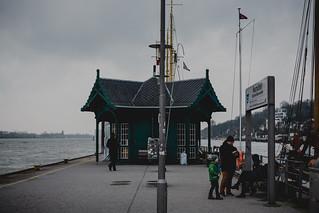 sunday at the harbor   l  2018