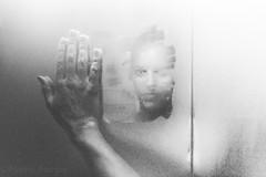 Schau in den Spiegel, betracht dich im Licht, er kennt keine Lügen ... (Martin.Matyas) Tags: