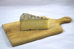 Saint-nectaire (julienfour) Tags: saint nectaire nourriture cheese fromage french food milk cow raw vache lait cru terroir