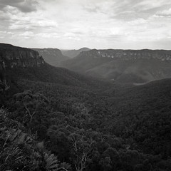 Blue Mountains HP5 SWC 006 (Hieu Doan) Tags: blue mountains nsw hasselblad swc ilford hp5 plus