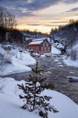 Fin du jour le long de la rivière Chicoutimi (gaudreaultnormand) Tags: canada chicoutimi coucherdesoleil quebec river rivière sunset