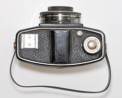 Felita (pho-Tony) Tags: photosofcameras felita 6x6 6cmx6cm roll film 120 rollfilm medium format mediumformat box boxcamera german germany 1950s 1955 simple cheap