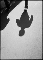 2017-08 - 095HF_04 (sarajoelsson) Tags: 135 svartvitt blackandwhite bw filmphotography film believeinfilm ilford everydaylife sweden stockholm digitizedwithdslr analog analogue teamframkallning ishootfilm urban city filmshooter xtol monochrome bnw olympus halfframe halvformat filmisnotdead snapshot vardag olympuspenee3 summer 2017 shadow people hp5 hp5plus slussen lightandshadow sunny august