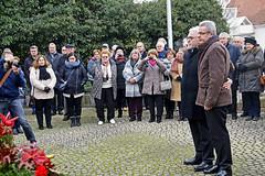 17 1868 - Lingenfeld, 45ème anniversaire, le monument aux morts (Jean-Pierre Ossorio) Tags: jumelage jumelagetorcylingenfeld lingenfeld anniversaire cérémonie monumentauxmorts