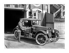 V_1769 (C&C52) Tags: paysageurbain landscape homme personne voiture buick vintageshot collector