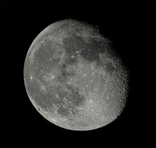 Waning gibbous moon, 2018-02-03