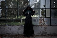 IMG_1938 (m.acqualeni) Tags: manu manuel ginette osef le dieu g shaman cosplay dark urbex maison abandonné house broken fille femme capuche gothique gothic goth