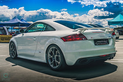 White TT RS (kdymkowski) Tags: audi rs tt ttrs sport speed car cars auto autos automotive show sky cloud clouds day daylight outdoor carphotography photography photo side rear road race sportcar white red blue wheels urban city roof cloudy
