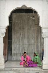 Gurudwara Bangla Sahib (Iam Marjon Bleeker) Tags: india newdelhi delhi sikhtemple gurudwarabanglasahib food volunteers peoplefromindia dag2md0c6676g