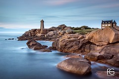 Good evening Mean Ruz (Fabien Georget (fg photographe)) Tags: ploumanach paysage baie ocean water rocks longexposure landscape sky ayezloeil beautifulearth bigfave canoneos600d canon elitephotography elmundopormontera eos fabiengeorget fabien fgphotographe flickr flickrdepot flickrunited georget geotagged flickunited longue mordudephoto nature paysages perfectphotograph perfectpictures wondersofnature wonders supershot supershotaward theworldthroughmyeyes shot poselongue photography photo greatphotographer french monument perrosguirec bluehour bretagne britanny granit seascape sunset slowshutter meanruz coucherdesoleil evening pierre