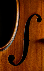 My violin's son (B.Guilbaud) Tags: violon ouïe s instrument proxi nikon bois écouter instrumentàcordes couleur intérieur jourdepluie bonheur famille music violin man musician calme