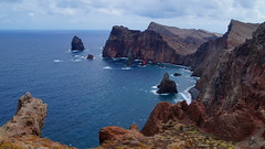 Bay view (Steenjep) Tags: madeira portugal ferie holiday urlaub pontadorosto rock cliff sea ocean water wave landscape rough